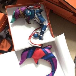 Hermes petit h dolphin charm 全新正品 罕見 絲綢人手造