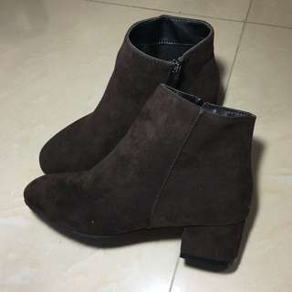 深啡色短靴