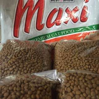 Makanan kucing maxi / kg