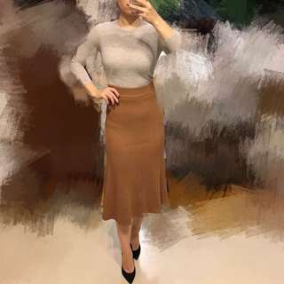 Thick knit beige long classy stretchy sweater skirt (Small)