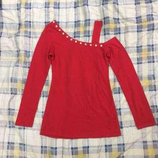 Red asymmetrical off-shoulder long sleeves
