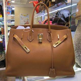 Hermes Birkin 35   Gold color