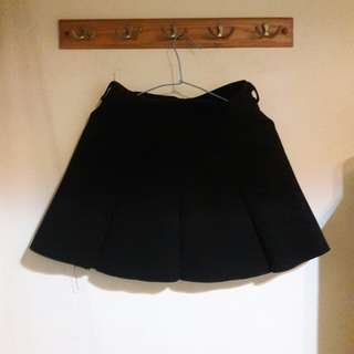 黑色毛呢裙
