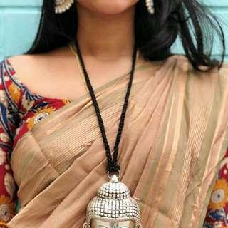 Statement necklace piece