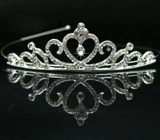 Bandana model mahkota