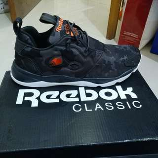 Reebok Classic 40