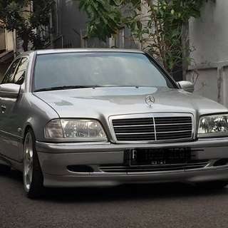 Mercedes benz C240 thn 2000 V6 engine