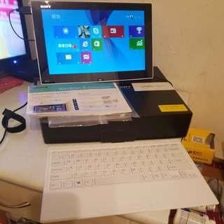"Sony 99% 新(內外全美)Intel i7 Tap 11, 12"" 平板電腦,Window 10,再多送一個充電器"
