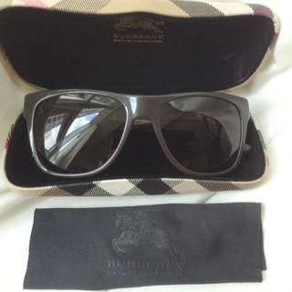 Auth Burberry Sunglasses With Case Brown