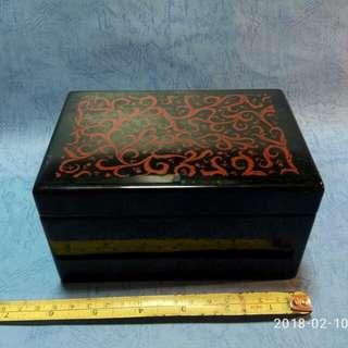 那些年,Shiseido 音樂首飾盒一個。