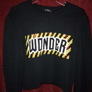 "Zara ""wonder"" cropped sweatshirt"