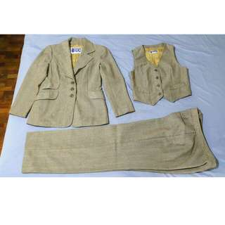 Brand New 3pc Suit 10Y