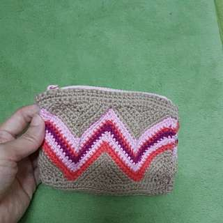 Small pouch with zip, handmade crochet