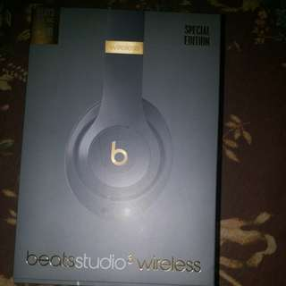 Beats studio3 special edition