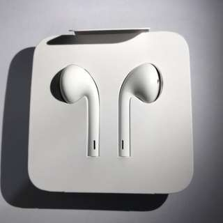 EarPods with Lightning Connector for iPhones