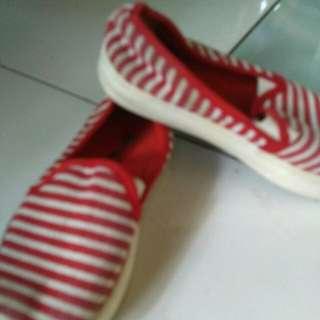 Sepatu anak size 29