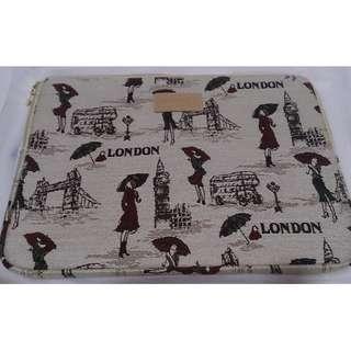 "Classic London Women 14"" Laptop Bag/ Sleeve"