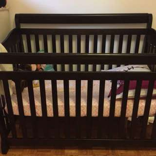 Brown Wooden baby crib 3-1
