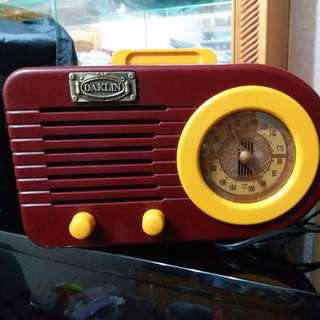 懷舊款式收音機(99%新)
