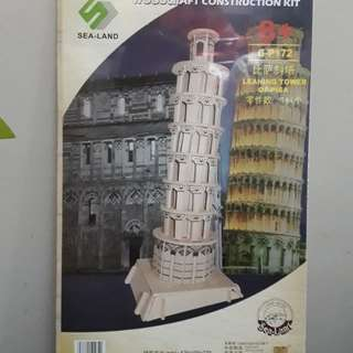 Leaning tower of Pisa wood construction kit