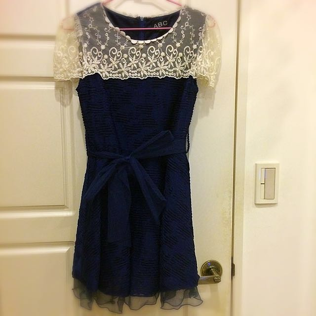質感蕾絲波紋深藍洋裝