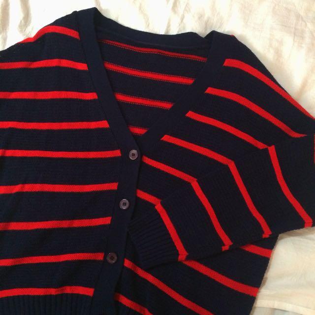 紅條細針織外套