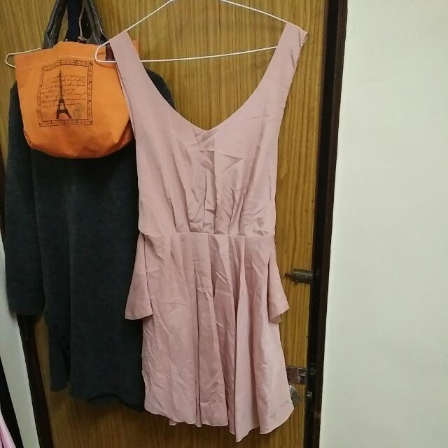 設計感美背洋裝