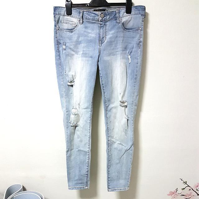 2ac5f76f885af Aeropostale Denim Jeans Distressed JEGGINGS. UK14 UK16. Plus Size ...