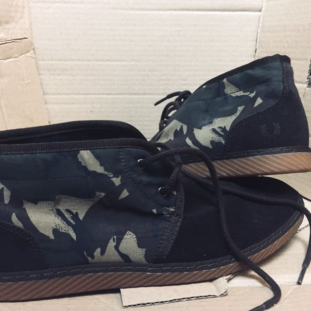 0e4caf5db95 AUTHENTIC FRED PERRY CAMO DESERT BOOTS SUEDE