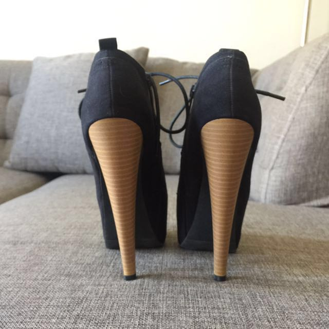 Black Suede Heeled Shoes