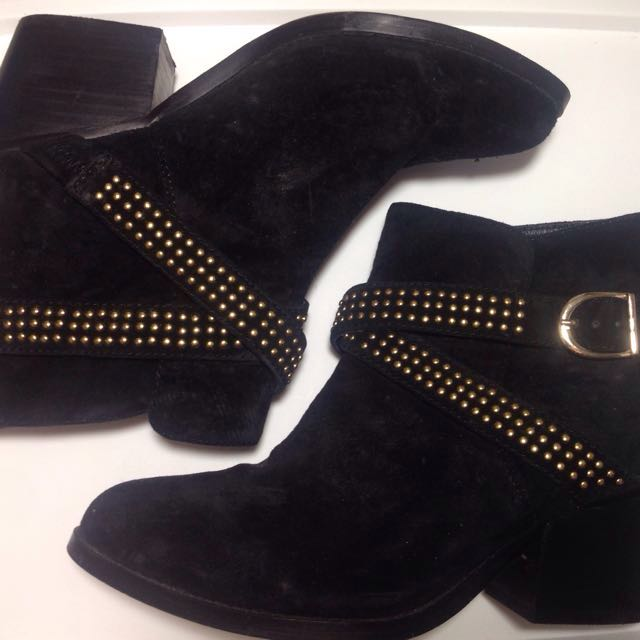 Boots size 36