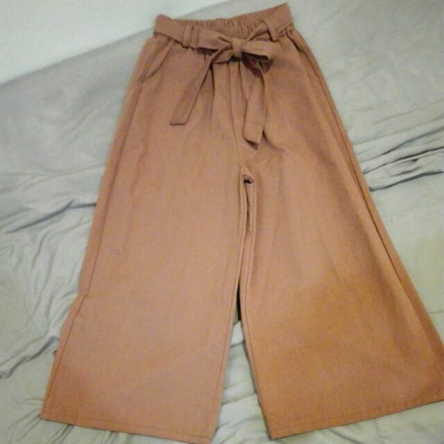 Brown ribbon tie culottes