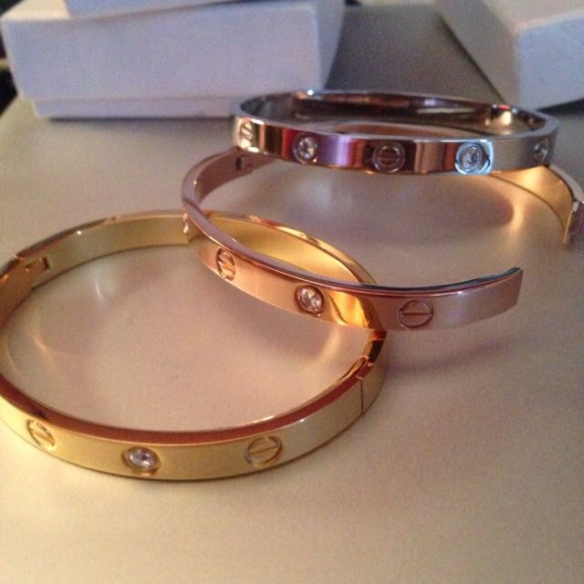 "Cartier love bracelet with crystals 16"" perimeter female size"