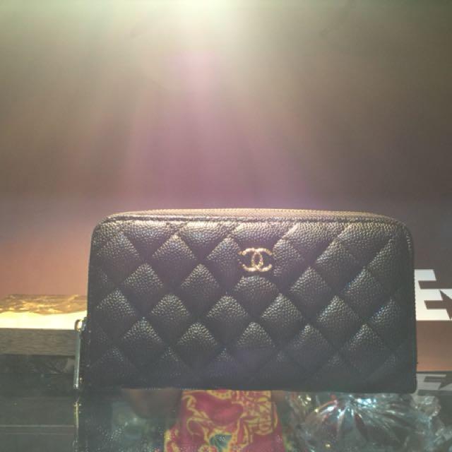 Chnel wallet caviar