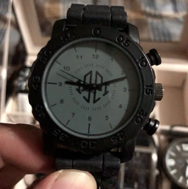 COTTON ON RUBBER WATCH