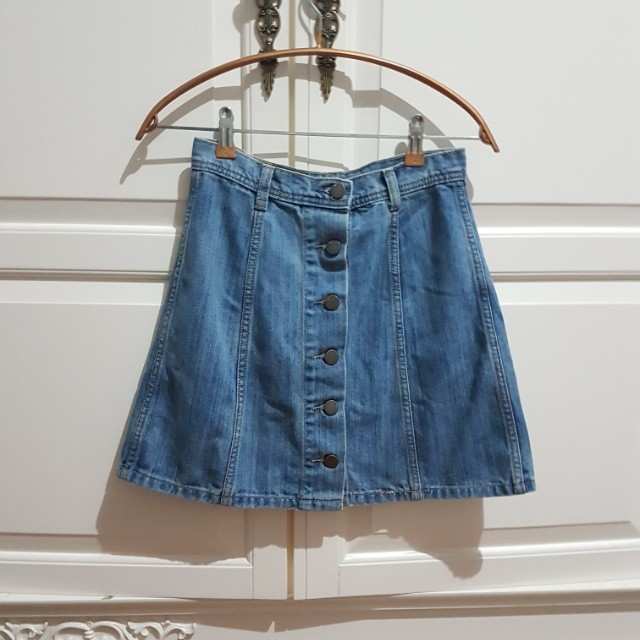 Denim skirt size M