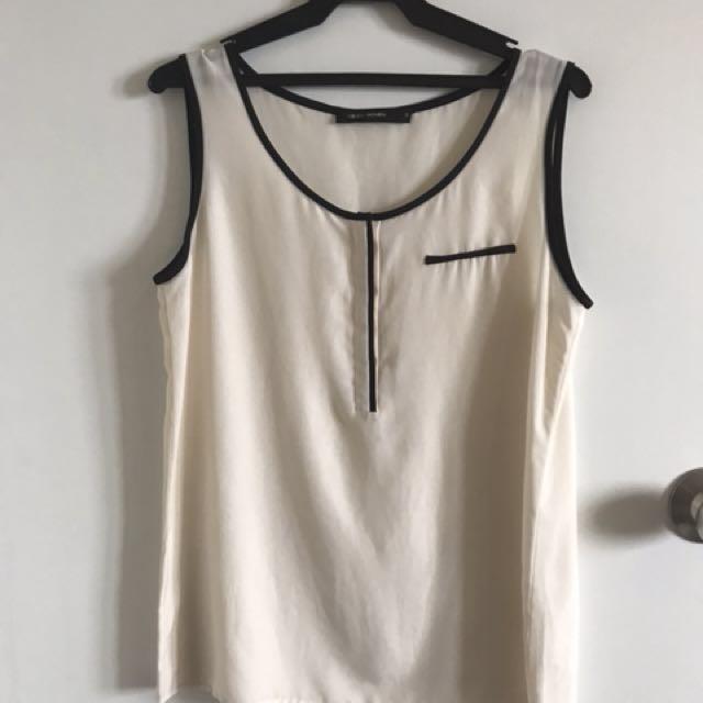 G2000 white sleeveless top