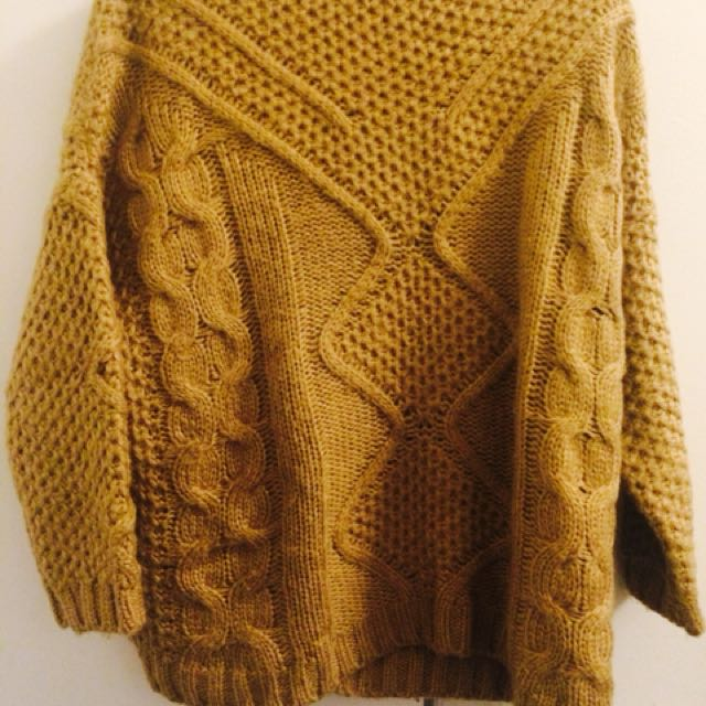 Knitted Sweater Small
