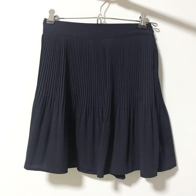 efaa0e094 Korean navy blue pleated skirt, Women's Fashion, Clothes, Pants ...