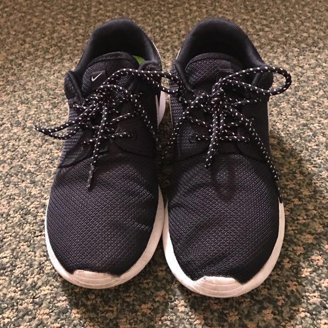Nike 女用休閒運動鞋