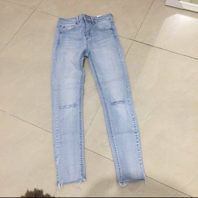 pull and bear cropped jeans REPRICE