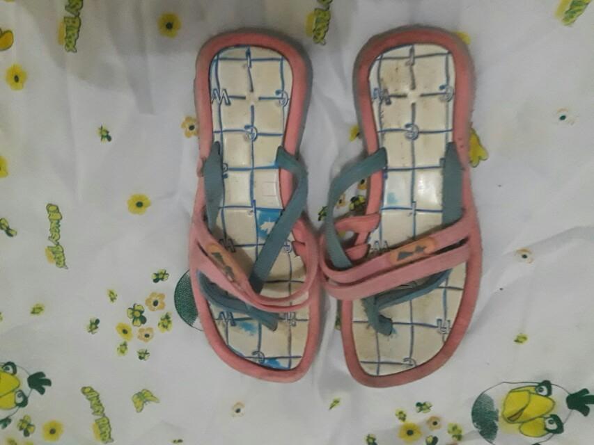 Sandal new era nyaman.di pakai