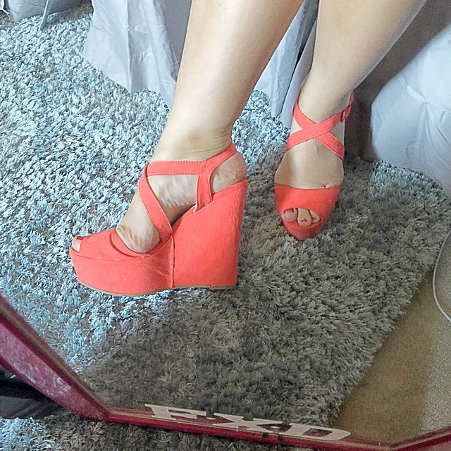 Size 8 Coral coloured Wedges