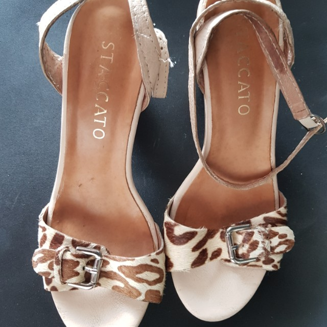 Beranda · Preloved Fesyen Wanita · Sepatu. photo photo photo photo df35ac2999