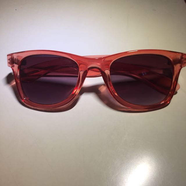 sunglasses by vincci