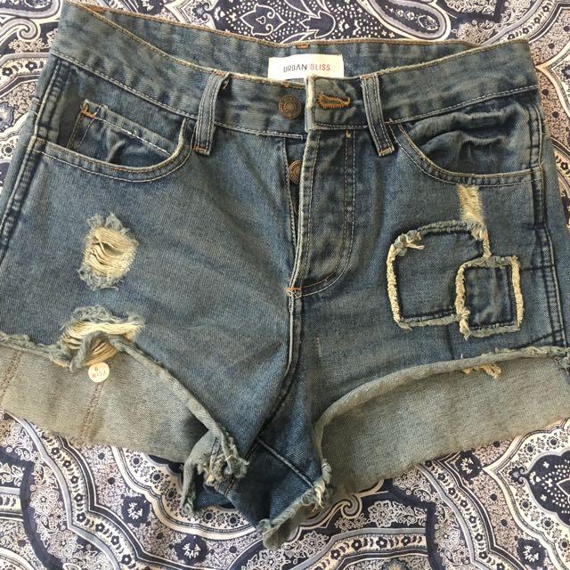 Urban Bliss distressed denim shorts