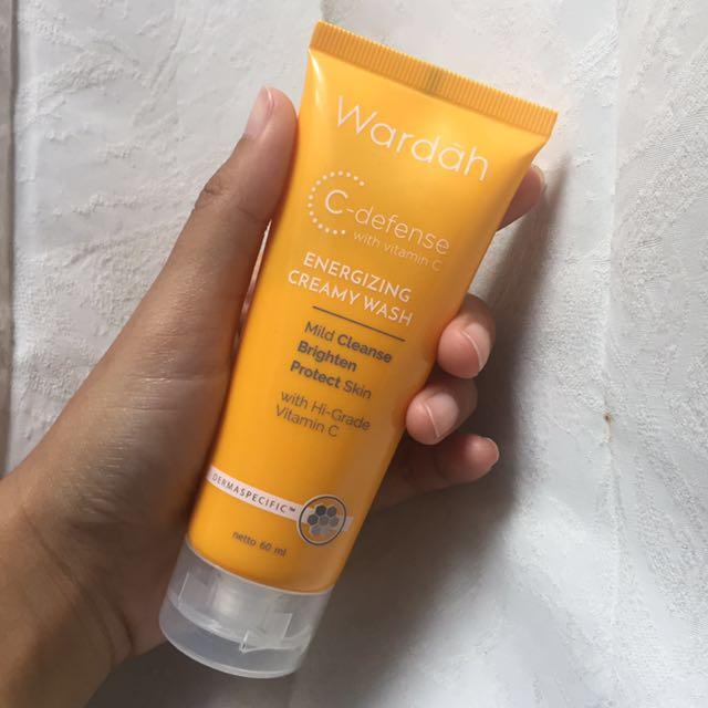 Wardah C Defense Energizing Creamy Wash (Facial Foam)