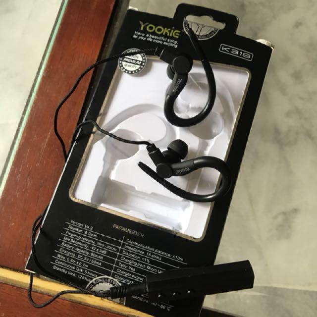 Yookie headset bluetooth