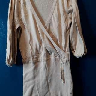 Beige blouse 3/4s