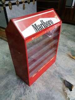 Retro marlboro show case